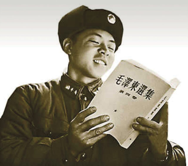 Comrade Lei Feng. Source: Zhang Jun