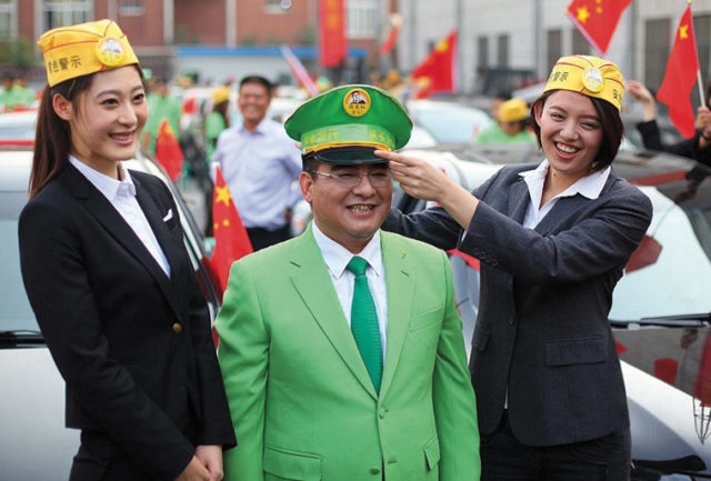 Philantropist Cheng Guangbiao donates forty-three Geely sedans to former owners of Japanese cars in Nanjing, 12 October 2012. Source: Aboluowang.com
